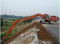 挖掘机刷坡工作的技巧介绍