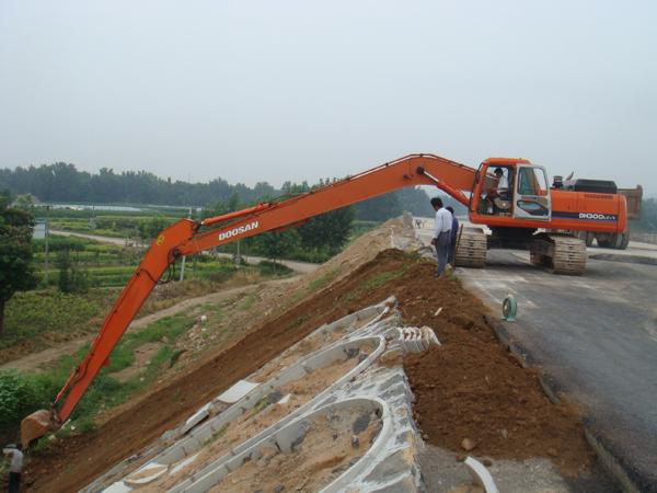 长臂挖掘机安装是专业的技术