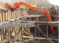 加长臂打桩机出租为工程建设带来哪些便利?