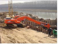 加长臂挖掘机对高速坡面修整的意义!