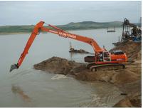 加长臂挖掘机正确的清洗方法是什么?