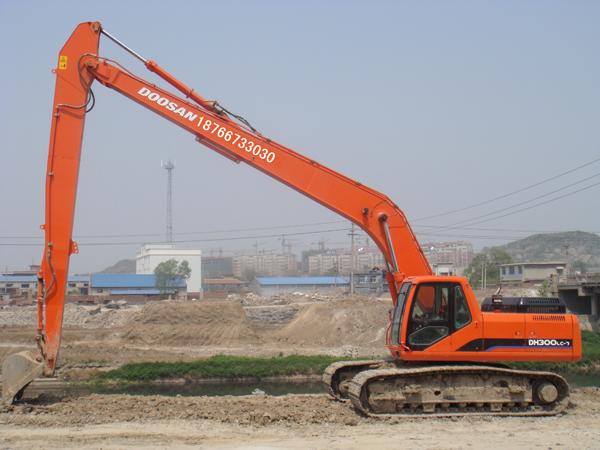 两种预防挖掘机加长臂变形的方法!